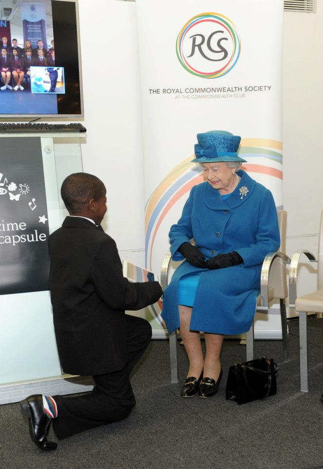 PRESENTATION OF THE DIAMOND (re) COLLECTION TO HER MAJESTY QUEEN'S ELIZABETH R II